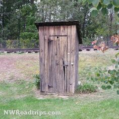 Yep... an #outhouse.  #Instaouthouse #antiquetoilet #TheLineStartsHere #NeedReadingMaterial #LightACandle #Cashmere #museum #RailroadTracks #NWRoadtrips