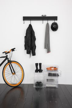 So-hooked kapstok van Nomess Copenhagen Trauma, Interior Decorating, Interior Design, Interior Ideas, House Siding, Visual Display, Wall Racks, Scandinavian Living, Clean Design