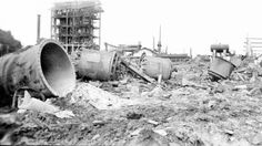 Les décombres de l'explosion d'une poudrière près de Biarritz. 1er-15 septembre 1916. Photographe : Jacques Agié. Référence : SPA 29 X 1212 Biarritz, Spa, Outdoor, Photography, Outdoors, Outdoor Games, The Great Outdoors