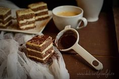 Prajitura cu crema mascarpone Sweet Recipes, Cake Recipes, Dessert Recipes, Desserts, Mascarpone Cheese, Food Cakes, Sweet Cakes, Tiramisu, Cocoa