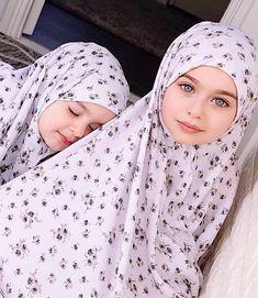 Rayouf alhumedhi navrhuje emoji, ktorý nosí hidžáb, na konzorcium unicode. 900 Young Uns Ideas In 2021 Beautiful Children People Of The World Kids Around The World