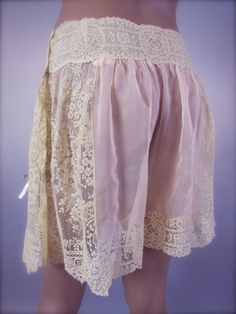 An Exquisitely Feminine French Brussels Lace & Silk Chiffon Tap Pants Panties A different view from the previous.