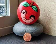 30+ Easy Rock Painting Ideas #KidRocks #Ideas #StoneArt