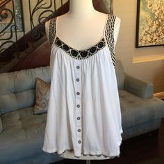 Anthropologie adorable tank top ♥️ White soft cotton with crochet trim detail tank top by Anthropologie so comfy and cute on ♥️ Anthropologie Tops