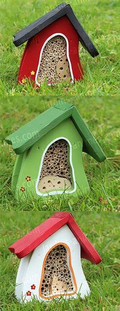 maison pensions à insectes, à accrocher contre un mur