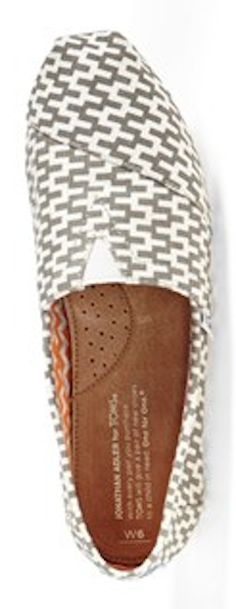 zig-zag print TOMS http://rstyle.me/n/k36vrr9te