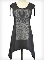 Squid Ink Tunic Top at PLASTICLAND... This shirt cut is a great idea for altering oversized band tees!