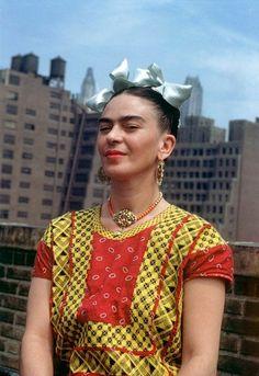 Louxo's Enjoyables — visualshards:   Frida in NY