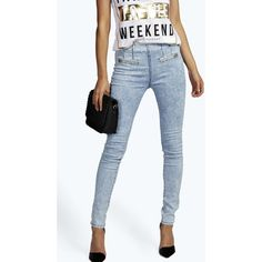 Boohoo Allison Zip Pocket Stretch Jeans ($20) ❤ liked on Polyvore featuring jeans, stretchy jeans, zipper pocket jeans, blue jeans, stretch jeans and super stretch jeans