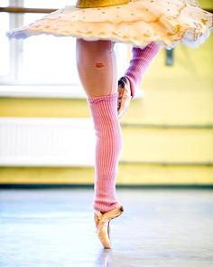 Prima ballerina Mary Carmen Catoya shares her journey from Venezuela to Florida, Miami City Ballet to Arts Ballet Theatre of Florida City Ballet, Ballet Class, Ballet Dancers, Dancers Feet, Pointe Shoes, Ballet Shoes, Ballet Photography, Tiny Dancer, Dance Pictures