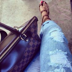 Stopping Your Feet To Purchase #Louis #Vuitton #Purses, Our Offical Website Will Be Your Best Choice! Just Believe Our Fashionable Brand.