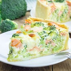 WW fresh salmon and broccoli quiche, recipe for a delicious salmon quiche flavored with dill and parmesan cheese easy and simple to make for a meal accompanied by a good salad. Tapas, Food Porn, Cooking Recipes, Healthy Recipes, Healthy Eats, Quiches, Food Inspiration, Love Food, Brunch
