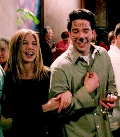 Rachel Green and Ross Geller Friends Tv Show, Tv: Friends, Serie Friends, Friends Cast, Friends Moments, Friends Forever, Friends Ross And Rachel, Friends Season, Chandler Bing