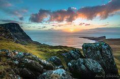 Sunset over Moonen bay and Neist Point
