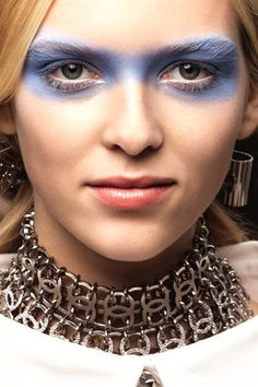 See the best beauty looks from the spring/summer 2016 shows in close-up, zoomable detail Please like if you enjoyed this article.