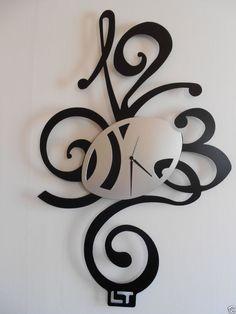 Un piccolo esempio di orologio da muro particolari idee for Idee per orologio da parete