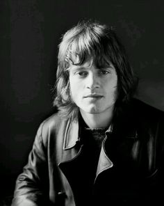 http://custard-pie.com/ John Paul Jones - Led Zeppelin One of the greatest bassists to ever play the instrument