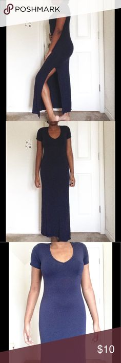 👗Navy blue maxi dress 👗 ♦️ON HOLD♦️ Very soft and it's stretchy !!✨ Velvet Torch Dresses Maxi