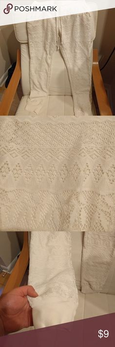 Ivory Crochet Mossimo Joggers like new. barely worn. super cute and comfortable. Mossimo Supply Co Pants