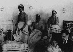 These are the nurses at the pediatric ward of the Bellevue Hospital in New York. Photo taken in 1900. (Courtesy of Smithsonian Institution, National Museum of American History)