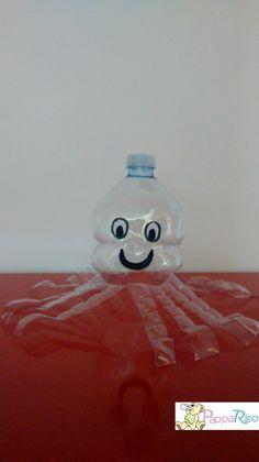 polipetto realizzato con la parte superiore della bottiglia polyp done with the top part of the bottle