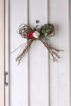 和風リースでお正月 ヘンリーヅタの蝶々結びリースの作り方 Merry Little Christmas, Christmas Deco, Rustic Christmas, Christmas Wreaths, Green Flowers, Silk Flowers, Xmas Crafts, Diy And Crafts, Japanese New Year