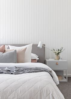 Interior Decor Direct 7 Gray Bedroom Ideas That Prove the Cool Neutral Can Feel Warm and Inviting Gray Bedroom, Bedroom Inspo, Home Bedroom, Bedroom Furniture, Master Bedroom, Bedroom Decor, Bedroom Ideas, Modern Bedroom, Wall Paper Bedroom