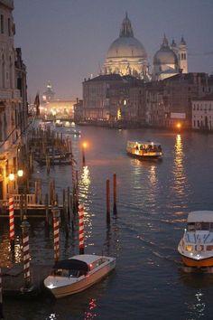 Taj Mahal, Grand Canal Venice, Visit Venice, Building, Something Else, Venice Italy, Travel, Beautiful Places, Viajes