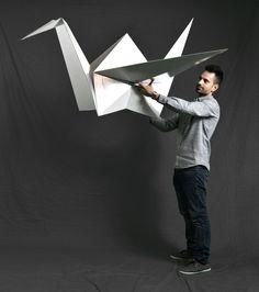 grulla-pajarita-gigante-carton-cartonlab-origami-papiroflexia-avuelapluma