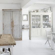 Love the white washed cabinet...Ive really thought about doing this to my living room furniture