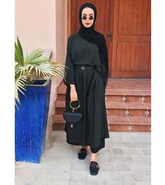 70 Ideas Travel Clothes Hijab For 2019 Modern Hijab Fashion, Street Hijab Fashion, Hijab Fashion Inspiration, Abaya Fashion, Muslim Fashion, Modest Fashion, Fashion Outfits, Fashion Trends, Hijab Dress