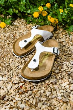 As if we didn't already love Birkenstock enough! The Birkenstock Gizeh is perfect for warm days and evenings. We offer color and styles for every outfit and occasion!