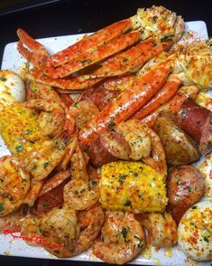 How to Host a Summer Seafood Boil - witch hazel Seafood Boil Party, Seafood Boil Recipes, Seafood Dinner, Cajun Seafood Boil, Shrimp And Crab Boil, Boiling Crab Shrimp Recipe, Garlic Crab Recipe, Cajun Shrimp, Boiled Food