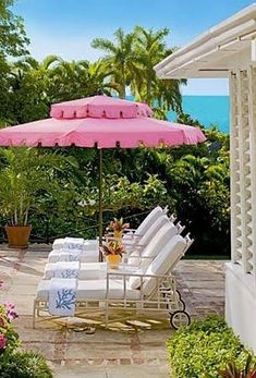 Carribean breezes and pink perfection #outdoor #entertaining