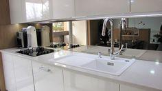 Kuchyňa biela - zrkadlo - BMV Kuchyne