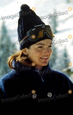 EVGENIA GL SPORTS WOMAN Jackie Onassis Photo - Jacqueline Kennedy Onassis Skiing in California Photophil Roach Ipol Globe Photos Inc 1965 Jacquelinekenndeyonassis...