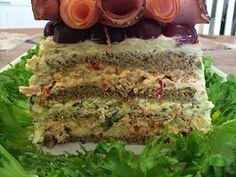 Liian hyvää: Kinkku-suolakurkku-voileipäkakku Food And Drink, Party, Desserts, Layer Cakes, Decorations, Paisajes, Recipes, Tailgate Desserts, Deserts