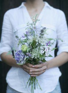 bouquet by AKURATNIE kwiaty  www.akuratnie.com.pl  www.facebook.com/akuratnie.kwiaty  www.instagram.com/akuratnie.dw  #bukiet #eustoma #ostróżka #floks #fiolet #biel #kwiaty #bouquet #violet