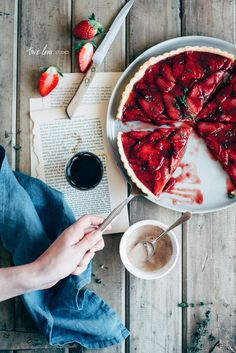 Get some hands in your photos and show some action. Roasted Strawberry & Thyme Tart