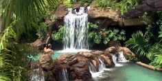 Costa Rica Natural hot mineral springs...Awesome...Awesome. Arenal, La Fortuna, Costa Rica.