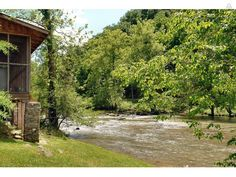 River Cabin on Pigeon River, 1BR - vacation rental in Pigeon Forge, Tennessee. View more: #PigeonForgeTennesseeVacationRentals