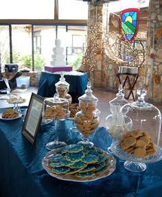 Cookie display and wedding cake  www.artistacakes.com