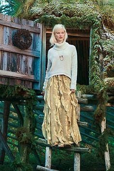 Gorgeous gold skirt and sweater!
