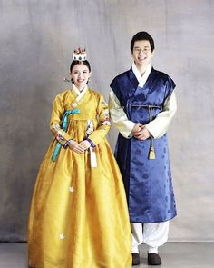 Image may contain: 2 people Korean Traditional Dress, Traditional Fashion, Traditional Dresses, Hanbok Wedding, Korean Illustration, Korea Dress, Modern Hanbok, Culture Clothing, Korean Wedding