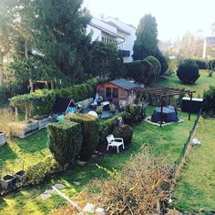 I've always wanted to have a countryside house. It seems that I had to come to Frankfurt to find it! #gutenmorgen #coffeetime #frankfurt #countryside #backyard #terracehouse #sunnyday #springinmyyard