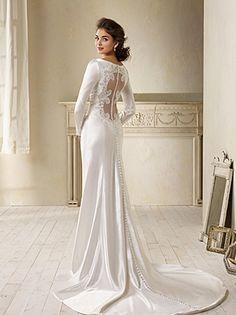 Vestidos de novia pegados con cola