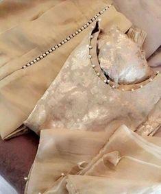 Best 12 Wedding Dresses Unique Simple Neckline Super Ideas – Page 598064025498854448 Sleeves Designs For Dresses, Neck Designs For Suits, Dress Neck Designs, Blouse Designs, Neckline Designs, Pakistani Dresses Casual, Pakistani Dress Design, Indian Dresses, Pakistani Clothing