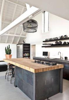 48 The Best Interior Design of a Wooden Kitchen Rustic Kitchen Design, Wooden Kitchen, New Kitchen, Dutch Kitchen, Kitchen Oven, Wooden Counter, Kitchen Island, Küchen Design, House Design