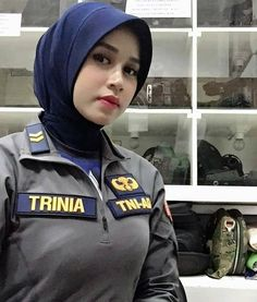 Beautiful Muslim Women, Beautiful Hijab, Persian Beauties, Hijab Fashion, Fashion Outfits, Army Police, Female Soldier, Military Women, Hijab Chic