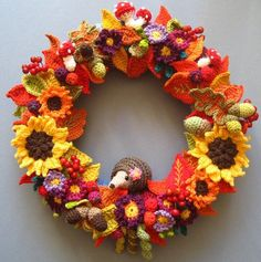 Mejores proyectos de ganchillo del 2013 / Best crochet projects of 2013 / Meilleurs projets de crochet de 2013 - Attic24 http://attic24.typepad.com/weblog/2013/11/autumn-wreath-ta-dah.html